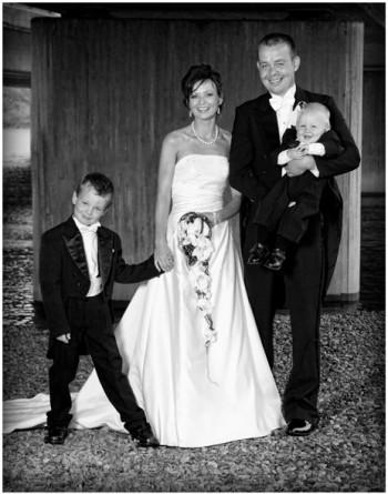 Bryllup-136-Brudepike og brudesvenn