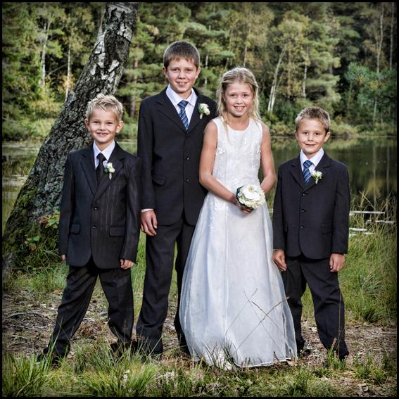 Bryllup-041-Brudepike og brudesvenn
