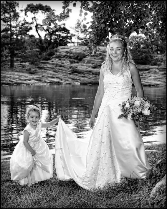 Bryllup-072-Brudepike og brudesvenn