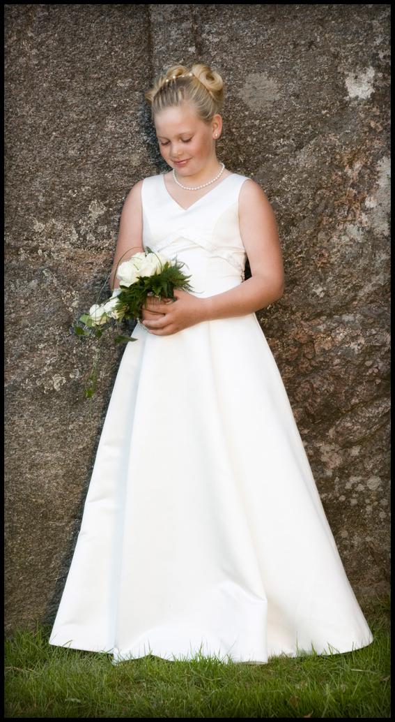 Bryllup-080-Brudepike og brudesvenn
