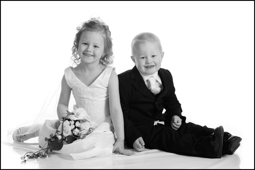 Bryllup-096-Brudepike og brudesvenn