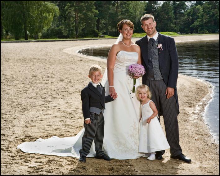 Bryllup-122-Brudepike og brudesvenn